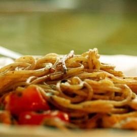 120213175629-120213182759-p-O-spagetti-s-moreproduktami-pomidorami-cherri